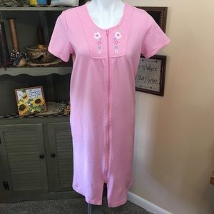 """"""" Pink"""" Flowered Bodice Zip Front Robe-Small"""